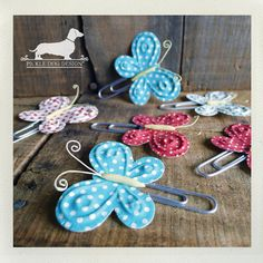 butterfly paperclips Desk Paper Organizer, Paper Organization, School Projects, Projects To Try, Paperclip Crafts, Weekend Crafts, Close Up Photography, Paper Crafts, Diy Crafts