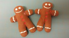 Great party favors for your Gingerbread House Decorating Party! Plush gingerbread man doll that is entirely created and sewn in the hoop.