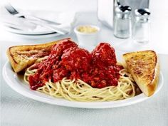 Denny's Brooklyn Spaghetti and Meatballs contains 1,230 calories and 2,480 mg of sodium.
