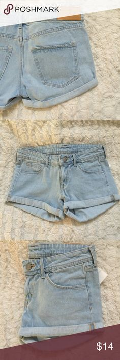 Light Colored Jean Shorts Brand new with tags. Light colored denim. Zipper to close. From H&M. Very little stretch to them. H&M Shorts Jean Shorts