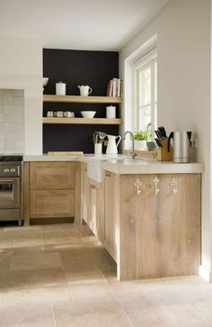 Natural Wood Kitchen Cabinets, White Wood Kitchens, Light Wood Cabinets, Refacing Kitchen Cabinets, Kitchen Wood, Kitchen Countertops, Kitchen Backsplash, Marble Countertops, Kitchen Shelves