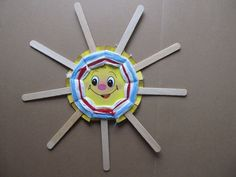 Popsicle Sticks Crafts for Kids - 30+ Creative DIY Art Projects: #smiling #handmade #sun