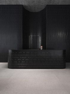 Some beautiful interior design tips of the use of dark, or black, interior elements in your home decor!