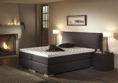 bedroom grey bed / slaapkamer boxspring grijs