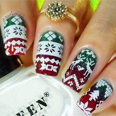 Pin for Later: 50 festliche Nageldesigns, die euch garantiert in Weihnachtsstimmung versetzen Weihnachtliche Nageldesigns