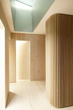 Dinesen Douglas flooring and wall cladding in private Norwegian residence. Design by Schjelderup Trondahl architects. Arch Interior, Interior Exterior, Interior Walls, Houses Architecture, Interior Architecture, Wall Design, House Design, Curved Walls, Wood Interiors