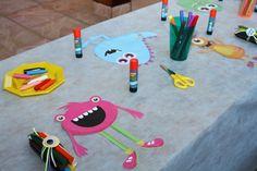 Quem disse que monstros são sempre assustadores? O aniversário de 5 anos do Giovanni não foi nada aterrorizante, pelo contrário. A decoração preparada pela Festejar trouxe cores e diversão para crianças e adultos. Confira!