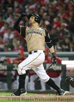 8回表2死満塁、B.レアードが左中間スタンドに満塁本塁打を放ち、北海道日本ハムがダメ押しの4点を追加。