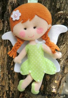 Fadinha                                                                                                                                                      Mais Baby Crafts, Diy And Crafts, Crafts For Kids, Beaded Ornaments, Christmas Ornaments, Matilda, Felt Crafts Patterns, Tooth Fairy Pillow, Pretty Dolls
