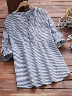 V Neck Loose Fitting Stripes Blouses - Moda daily Short Sleeve Blouse, Long Sleeve Shirts, Outfit Chic, Cheap Womens Tops, Plus Size Blouses, Blouse Styles, Striped Shorts, Casual Tops, Ideias Fashion