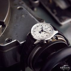 A nice way to get through the Saturday: watching an El Primero 410 after the whole manufacture process.  #zenithwatches #legendsareforever #swisswatch