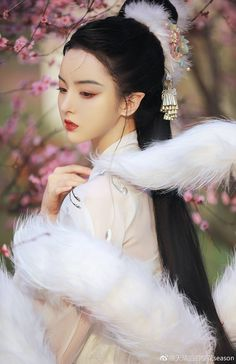 Beautiful Chinese Girl, Beautiful Fantasy Art, Chinese Clothing Traditional, Traditional Outfits, Ancient China Clothing, Ulzzang Korean Girl, China Girl, Oriental Fashion, Chinese Culture