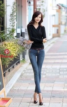 Korean fashion and sexy jeans. pin by damon ramsey on elegant chinese perfection in 2019 Korean Fashion Winter, Korean Street Fashion, Asian Fashion, Girl Fashion, Fashion Women, Chinese Fashion, Jeans Fashion, Fashion 2020, Asian Model Girl