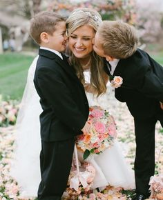 Cute picture to get with the ring bearers :) ✋                                                                                                                                                      More