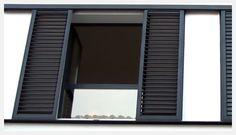 Aluminios Garcilaso   Productos - Persianas mallorquinas de aluminio   Carpintería de aluminio en Barcelona Louvre Doors, Louvre Windows, Door Gate Design, Window Shutters, Windows And Doors, Planer, Sweet Home, Grills, Barcelona