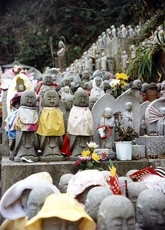 Teach Through Educational Travel: Hasedera Kamakura Statues