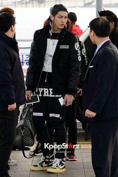 EXO-M (Kris, Chen, Tao, Xiumin) partieron hacia Hubei TV Spring Festival y Ivy Club Sneak Peek - 08 de enero de 2014 [FOTOS] : Noticias : KpopStarz