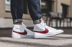 Here's an on feet look of the upcoming Nike Blazer Mid OG in the White and Red colorway. Sneaker Outfits, Nike Outfits, Nike Blazers Outfit, Sneakers Outfit Men, Sneakers Mode, Sneakers Looks, Tomboy Outfits, Retro Sneakers, Sneakers Fashion