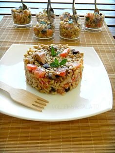 Kaltdinkel-Salat mit Tomaten, Thunfisch und Ölen … – …, Cold-spelled salad with tomatoes, tuna and … I Love Food, Good Food, Yummy Food, Healthy Cooking, Cooking Recipes, Healthy Recipes, Crudite, Antipasto, Healthy Finger Foods