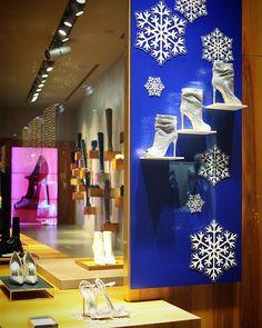 #lesilla #fashion #fashionblogger #fashionpost #fashionista #milano # #❤️ #couture #moda #picoftheday #❄️ #street #collection #fallwinter #2017 #crystals #iloveshopping #visualmerchandising #woman #christmas #visualdisplay #shoes #shopwindow #fashionlovers #instagood #fashionaddict #luxury @lesilla