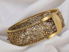 Antique Gold Bangle - Indian Jewellery Designs South Jewellery #GoldJewelleryIndian
