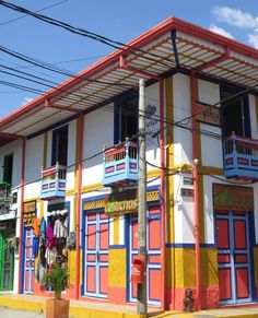 Pintura Exterior, San Rafael, The Outsiders, Fair Grounds, Goals, Dreams, Travel, Colorful Houses, World