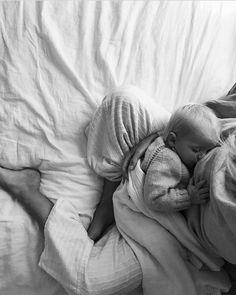 Stillbilder ♥ Breastfeeding, known as nursing, would be the feeding of babies and young kids with mi Newborn Baby Photos, Newborn Shoot, Newborn Pictures, Baby Pictures, Nursing Pictures, Baby Newborn, Lifestyle Newborn Photography, Newborn Photos