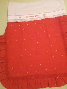Copertina piquet con cuoricini  rossi e lenzuolino culla con bordo a punto croce