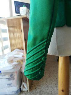 Kurti Sleeves Design, Kurta Neck Design, Sleeves Designs For Dresses, Blouse Neck Designs, Sleeve Designs, Sari Blouse Designs, Salwar Designs, Stylish Hijab, Stylish Dresses