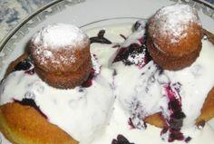 Papanasi prajiti cu dulceata si smantana - Retete culinare - Romanesti si din Bucataria internationala Parfait, Caramel, Pudding, Desserts, Sticky Toffee, Tailgate Desserts, Candy, Deserts, Custard Pudding
