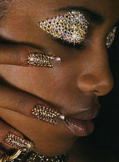 Glammed nails beauty makeup, eye makeup и makeup art Makeup Art, Beauty Makeup, Beauty Nails, Makeup Eyes, French Nails Glitter, Chrom Nails, Nagel Bling, Glitz And Glam, Fantasy Makeup