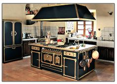 Luxury kitchen furniture design ideas by Restar 05 Antique Kitchen Island, Old Kitchen, Home Decor Kitchen, Kitchen Furniture, Kitchen Interior, Vintage Kitchen, Furniture Design, Life Kitchen, Design Kitchen