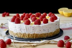 CHEESECAKE AI LAMPONI E LIMONE SENZA COTTURA Cheesecakes, Oreo, Sweet, Desserts, Food, Home, Mint, Candy, Tailgate Desserts