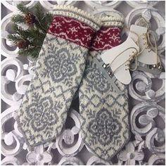 Ravelry: Julros (Helleborus) pattern by JennyPenny Knitted Mittens Pattern, Fair Isle Knitting Patterns, Knit Mittens, Knitting Charts, Sweater Knitting Patterns, Knitted Gloves, Knitting Socks, Knitting Stitches, Hand Knitting