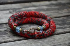 Handmade crocheted necklace - geometric pattern, lobster clasp.