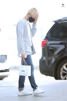 150821: EXO Byun Baekhyun; Incheon Airport to Xi'an Airport #exo #fashion #style…