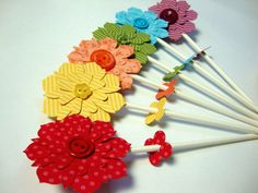 Flower Pops using Stampin' Up!'s Blossom Party Originals Die and 'cake pop sticks'.