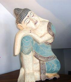 Buda tallado y pintado a mano en madera de Abesia. www.balidekor.com