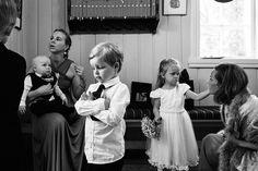 www.pixlight.no Kirkenes, Girls Dresses, Flower Girl Dresses, Wedding Dresses, Flowers, Fashion, Dance In, Velvet, Dresses Of Girls