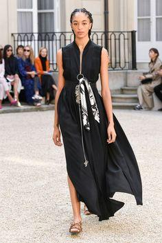 Cédric Charlier Spring 2019 Ready-to-Wear Collection - Vogue >>> Sommerkleider >>> #ichliebekleiderstore