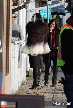 Kristin, Victoria & Lana on set (January 20, 2015)
