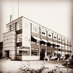 Olivetti ico factory ivrea italy 1937 39 luigi for Bauhaus italia