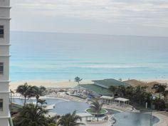 Simply @sandoscancun luxury view this #BeachThursday  Simplemente vista de lujo en Sandos Cancún este #juevesdeplaya