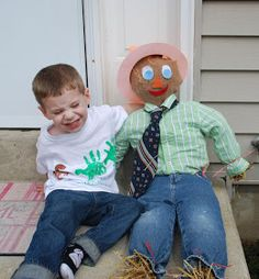 Running on Chocolate: Guest Post:: DIY Scarecrow