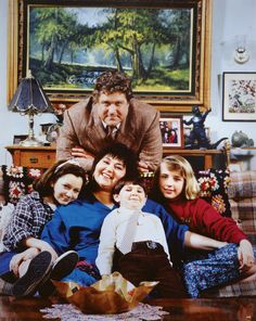 Original Roseanne cast Roseanne is an American sitcom that was broadcast on ABC from October 18, 1988 to May 20, 1997.[1] Starring Roseanne Barr, the show revolved around the Conners, an Illinois working-class family.Roseanne Barr  John Goodman  Laurie Metcalf  Sara Gilbert  Michael Fishman  Lecy Goranson  Sarah Chalke  Johnny Galecki  Natalie West  Glenn Quinn  Estelle Parsons  Sandra Bernhard  Michael O'Keefe  Martin Mull