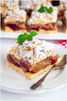 pleśniak ze śliwkami Snack Recipes, Dessert Recipes, Snacks, Sweets From Heaven, Polish Desserts, Brownie Bar, White Chocolate Chips, Cake Cookies, Sandwiches