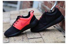 4b0d7038a679 Nike Roshe Run