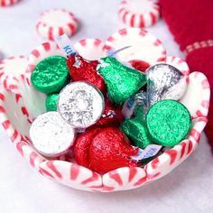 DIY Peppermint Candy Bowls are the perfect DIY Christmas Gift. Made from peppermint candy and melted into a bowl, you can put delicious holiday candy in it and wrap it up for an adorable holiday gift for friends, family, co-workers and more! Diy Christmas Gifts For Friends, Christmas Candy Gifts, Holiday Candy, Homemade Christmas Gifts, Christmas Goodies, Holiday Treats, Diy Christmas Gifts Videos, Christmas Wrapping, Handmade Christmas