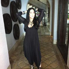 Cher at your birthday, yesterday The Cher Show, Cher Photos, I Got You Babe, Famous Photos, Beautiful Person, Mariah Carey, American Singers, Record Producer, Real Women