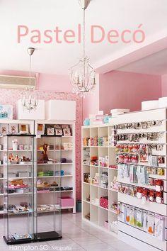Boutique Interior, Ideas De Boutique, Cafe Design, Store Design, Gift Shop Displays, Makeup Boutique, Aesthetic Stores, Bakery Decor, Mini Store